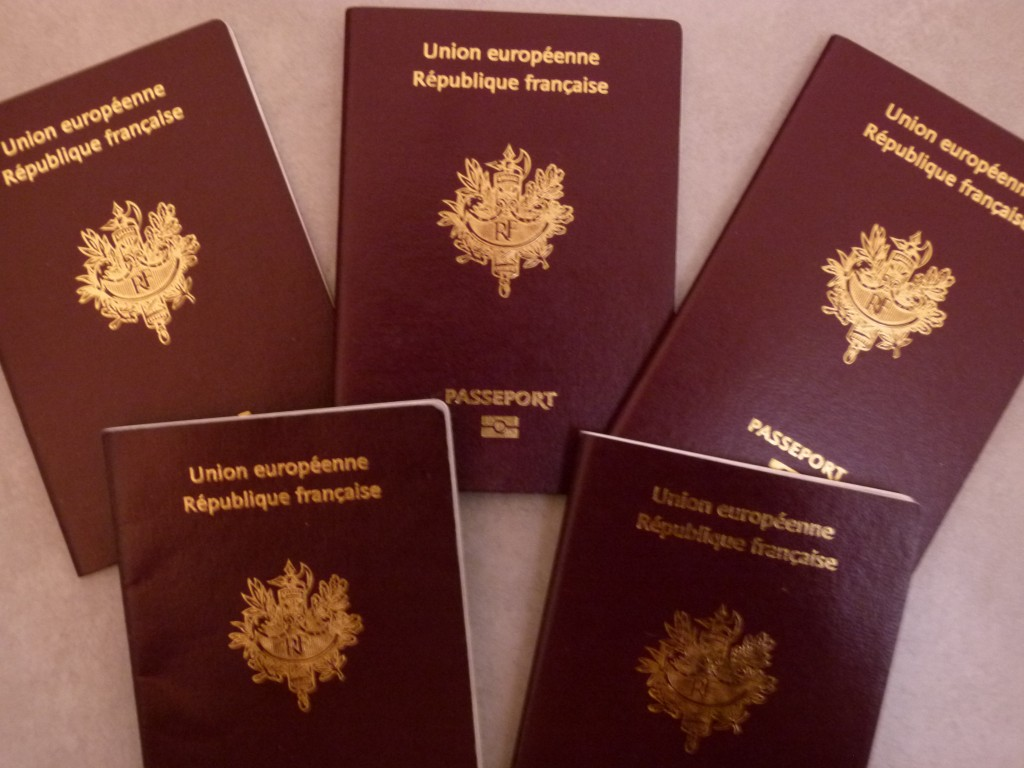 les passeports et les visas dis papa c 39 est loin tahiti. Black Bedroom Furniture Sets. Home Design Ideas